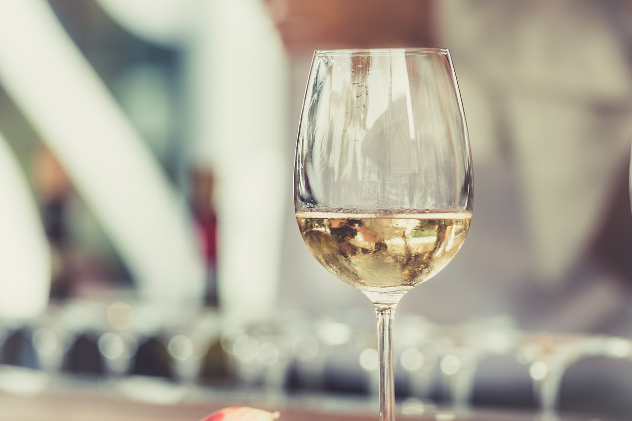 white, wine, glass-2559865.jpg