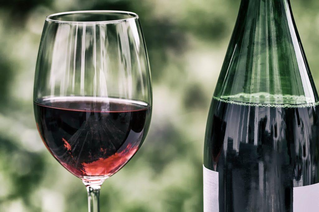 wine, retro, wine glass-2408620.jpg
